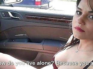Amateur gal Zelda banged in the backseat