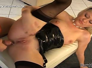 Kinky Blonde in Sexy Tight Outfit Loves Golden Showers and Anal Sex