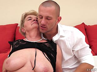 Delicious Lady Bella Goes Hardcore With A Dirty Boy