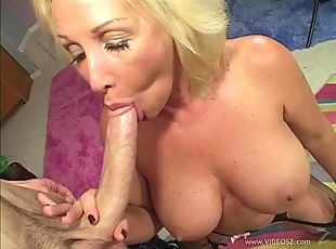 Joanna Storm pleases a guy with a rimjob and rides his wang