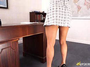 Slutty secretary is stunning in a miniskirt