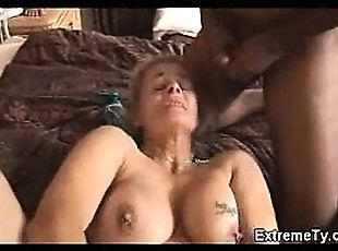 Extreme mature blonde amateur extreme pussy pumping interracial fucking and dildo insertions