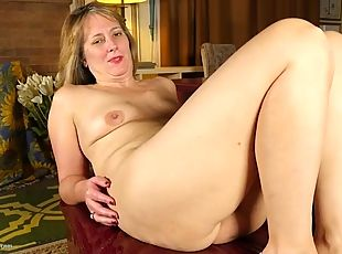 Cute old lady plays with her sexy vagina