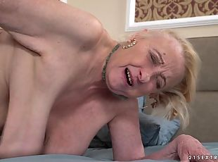 Saggy tits granny fucked by a hard college cock